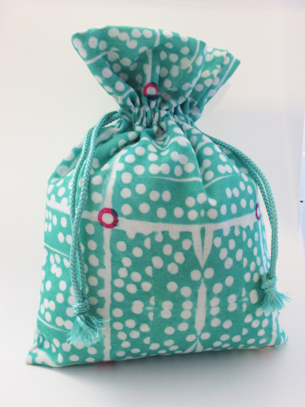 block dots gift bag