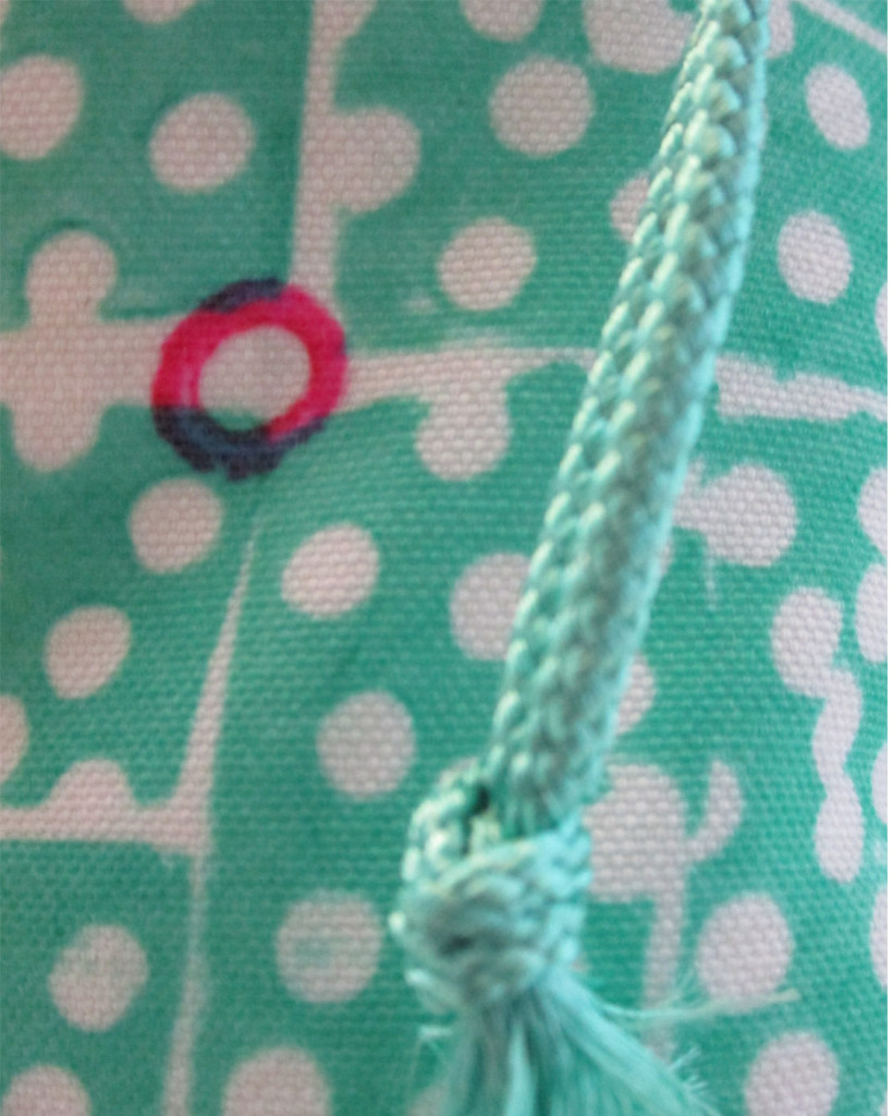 block dots gift bag closeup